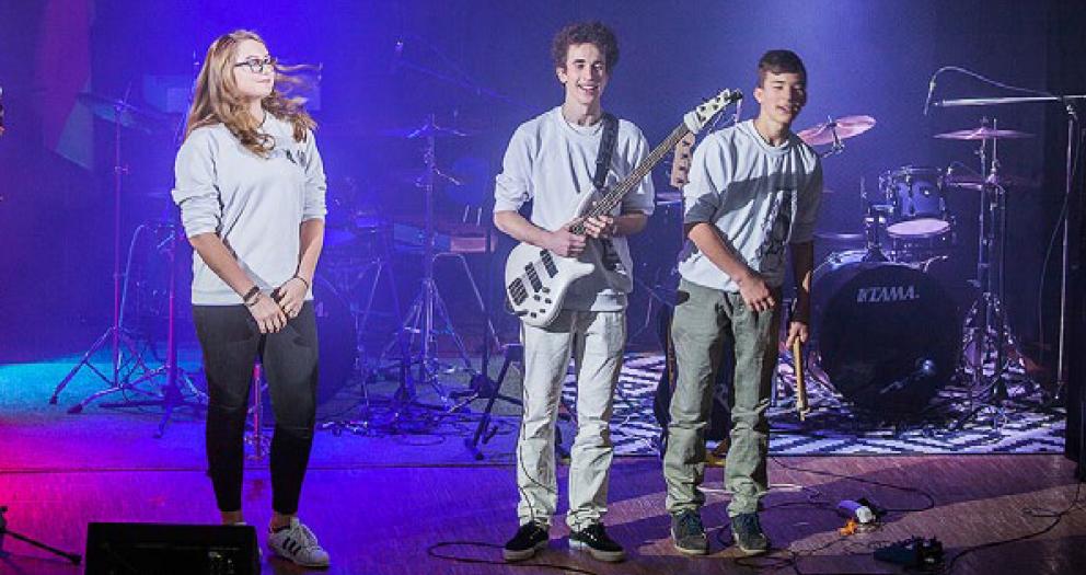 Die Deutsche Schule Moskau stellt Lehrkräfte für Musikt ein.
